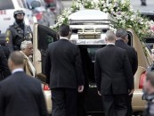 Sepultan a Whitney Houston en ceremonia privada