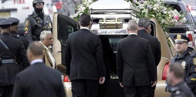 Sepultan a Whitney Houston en ceremonia privada