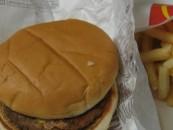 La historia detrás de la hamburguesa de McDonald's más antigua del mundo